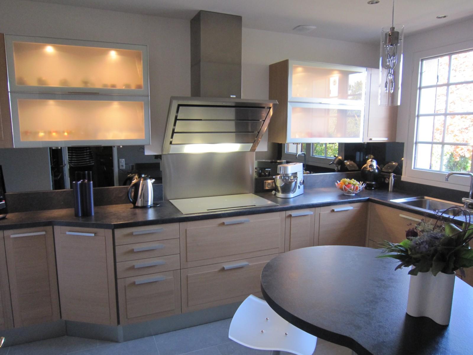 Modele k105 chene blanchi cuisines couloir for Asticots blancs cuisine