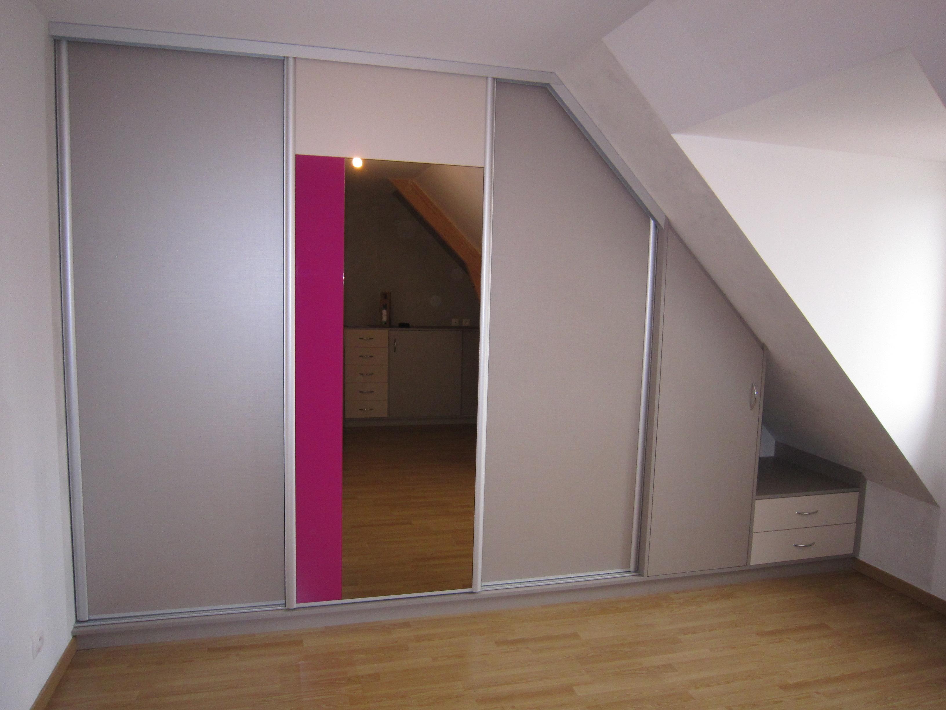 Réalisation cuisines couloir : dressing en sous pente   cuisines ...