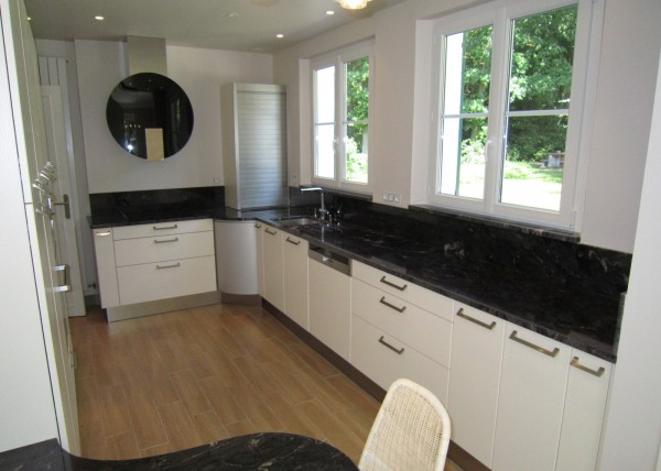 cuisines archives cuisines couloir. Black Bedroom Furniture Sets. Home Design Ideas