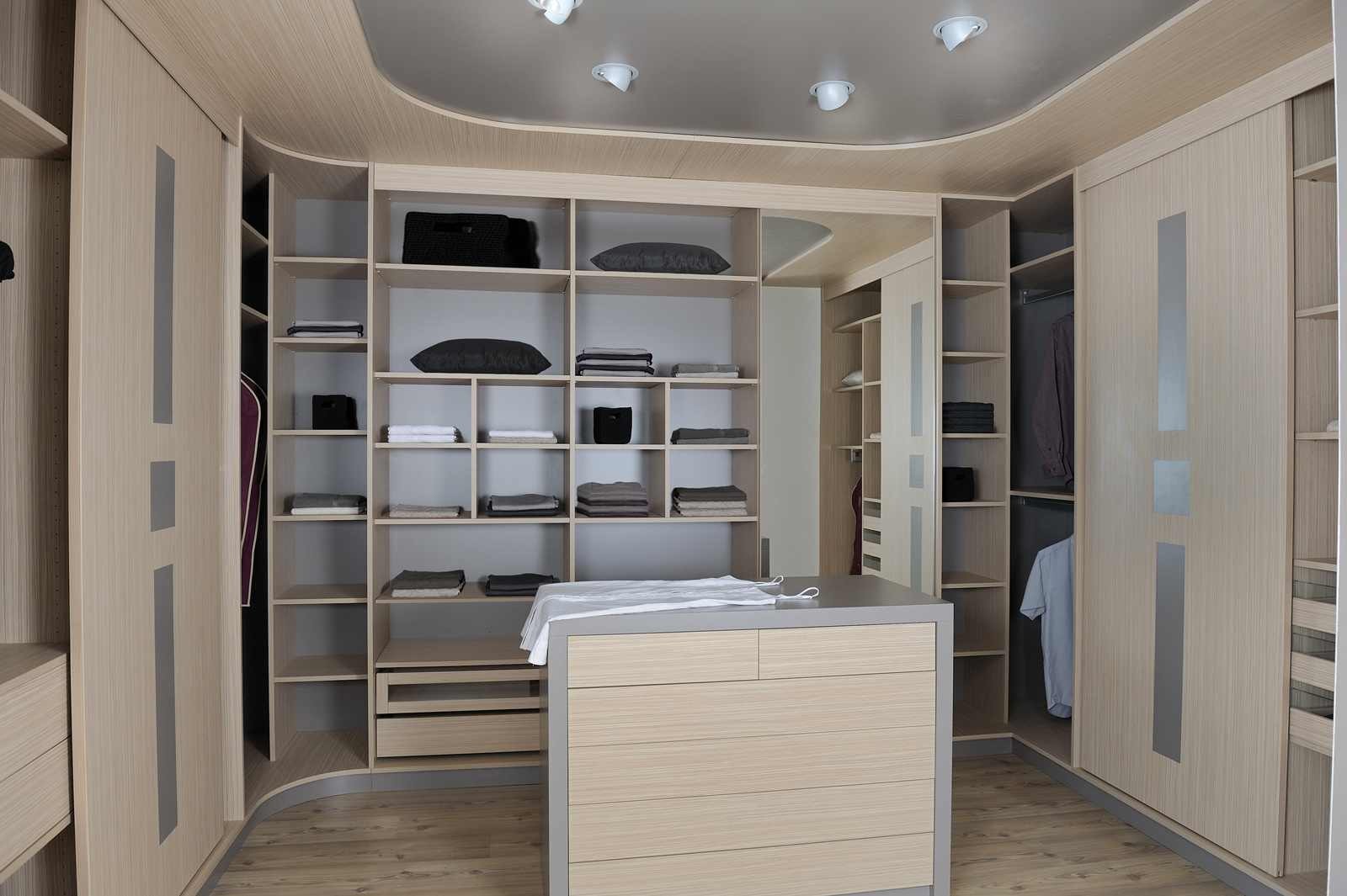 dressing cuisines couloir. Black Bedroom Furniture Sets. Home Design Ideas