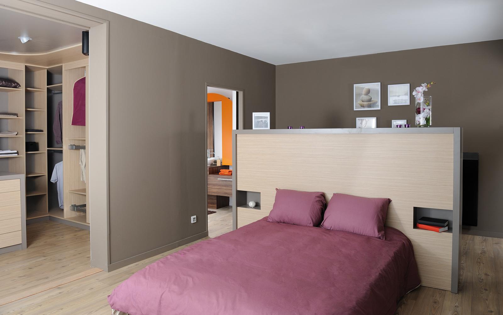 Dressing cuisines couloir - Lit avec armoire en tete de lit ...